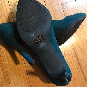JustFab Shoes - Green high heels